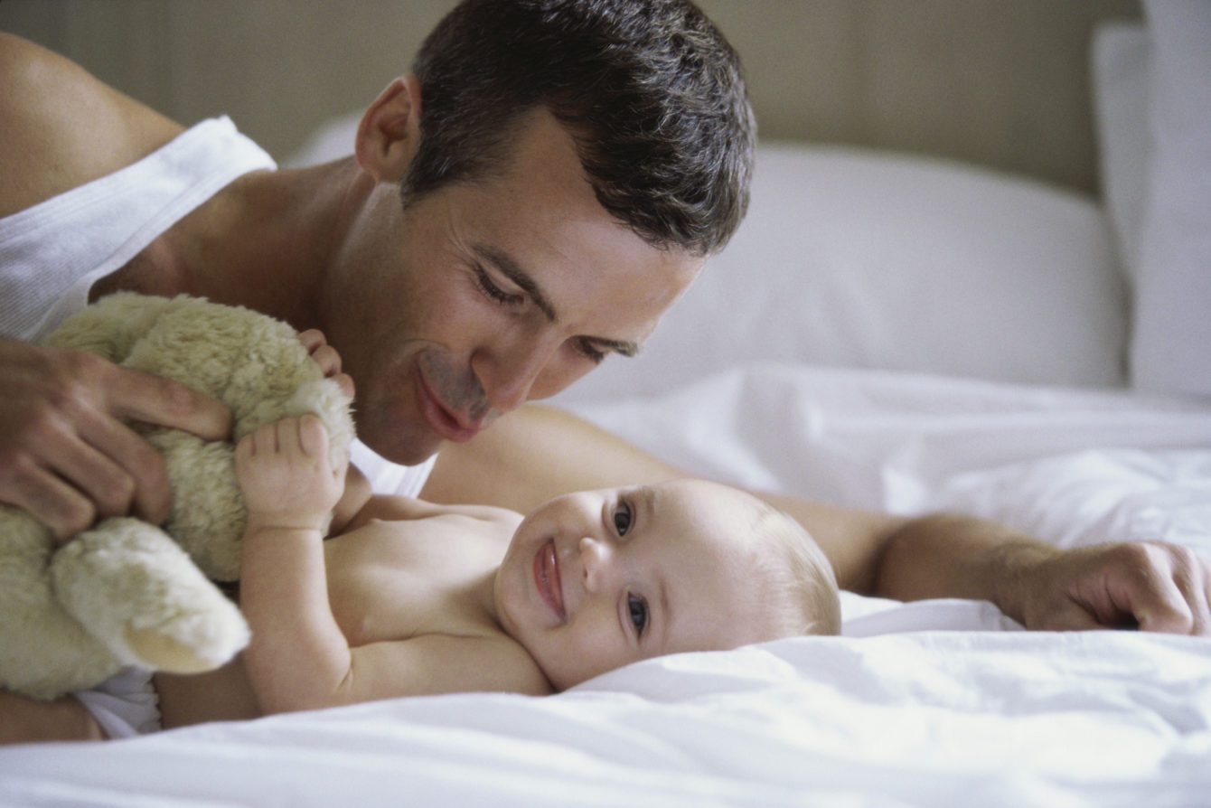 Tips for New Moms: How to Help Your Husband to Bond with Your Newborn